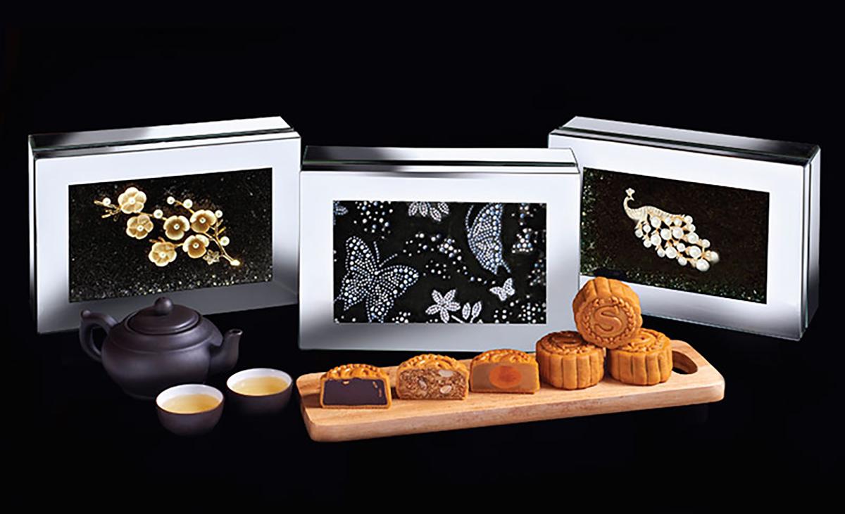 Sheraton Petaling Jaya mooncake boxes, teapot set